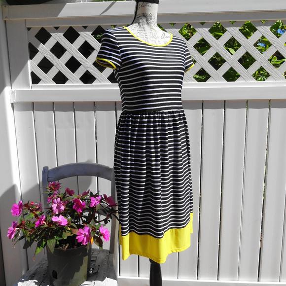 Shelby & Palmer Dresses & Skirts - Shelby & Palmer dress size small